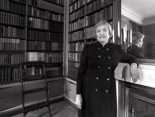 Elizabeth Brayer