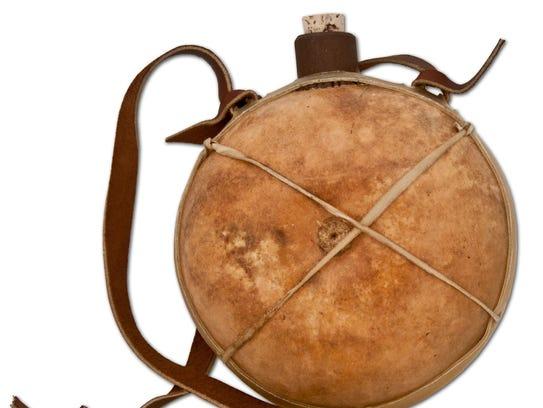 6051-100-001 Gourd Canteen