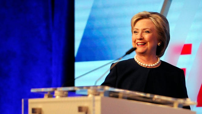 Democratic presidential candidate Hillary Clinton has begun running a Spanish language TV ad in Arizona ahead of the state's March 22 primary.