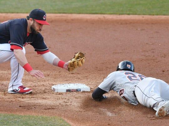 Cleveland Indians second baseman Jason Kipnis (22)