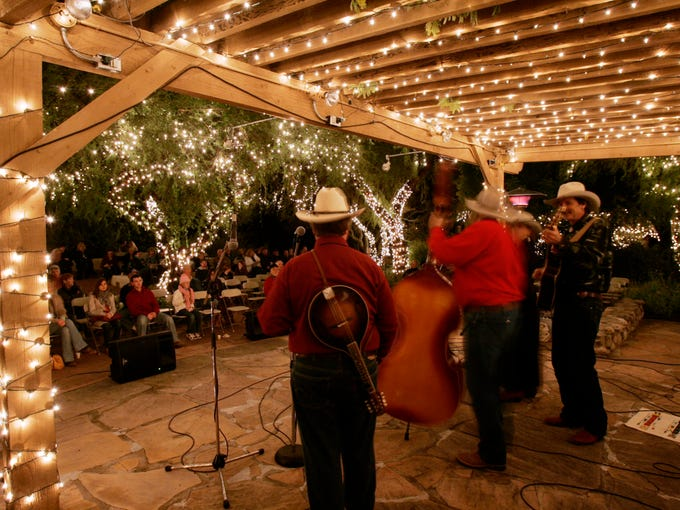 Tohono Chul Park celebrates with music, lights and