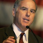 --Democratic Presidential hopeful and former governor of Vermont Howard Dean speaks during the Democratic Party of Georgia's annual Jefferson-Jackson Dinner at the Georgia International Convention Center in College Park, Ga., Thursday, April 3, 2003. (AP Photo/John Amis)