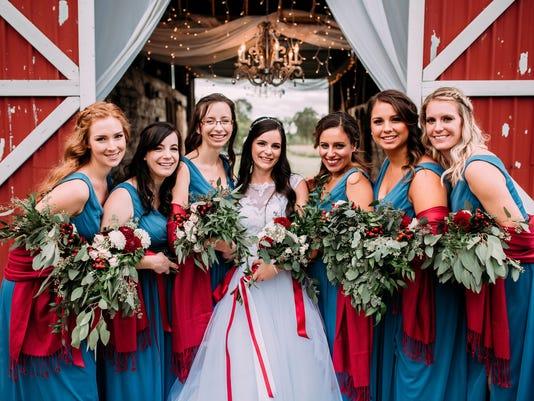 636621484178612979-Macomb-County-Wedding-Photographer-18-of-19-.jpg