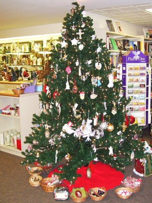 The Shrine of St. Joseph gift shop has extended its hours for holiday shopping.