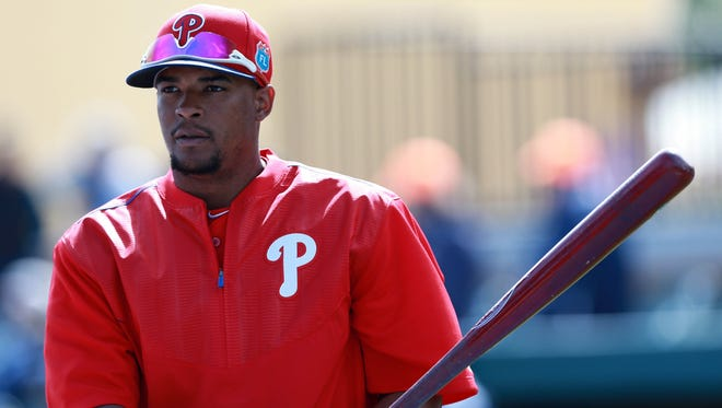Outfielder Cedric Hunter remains in the mix for one of the Phillies' remaining roster spots.