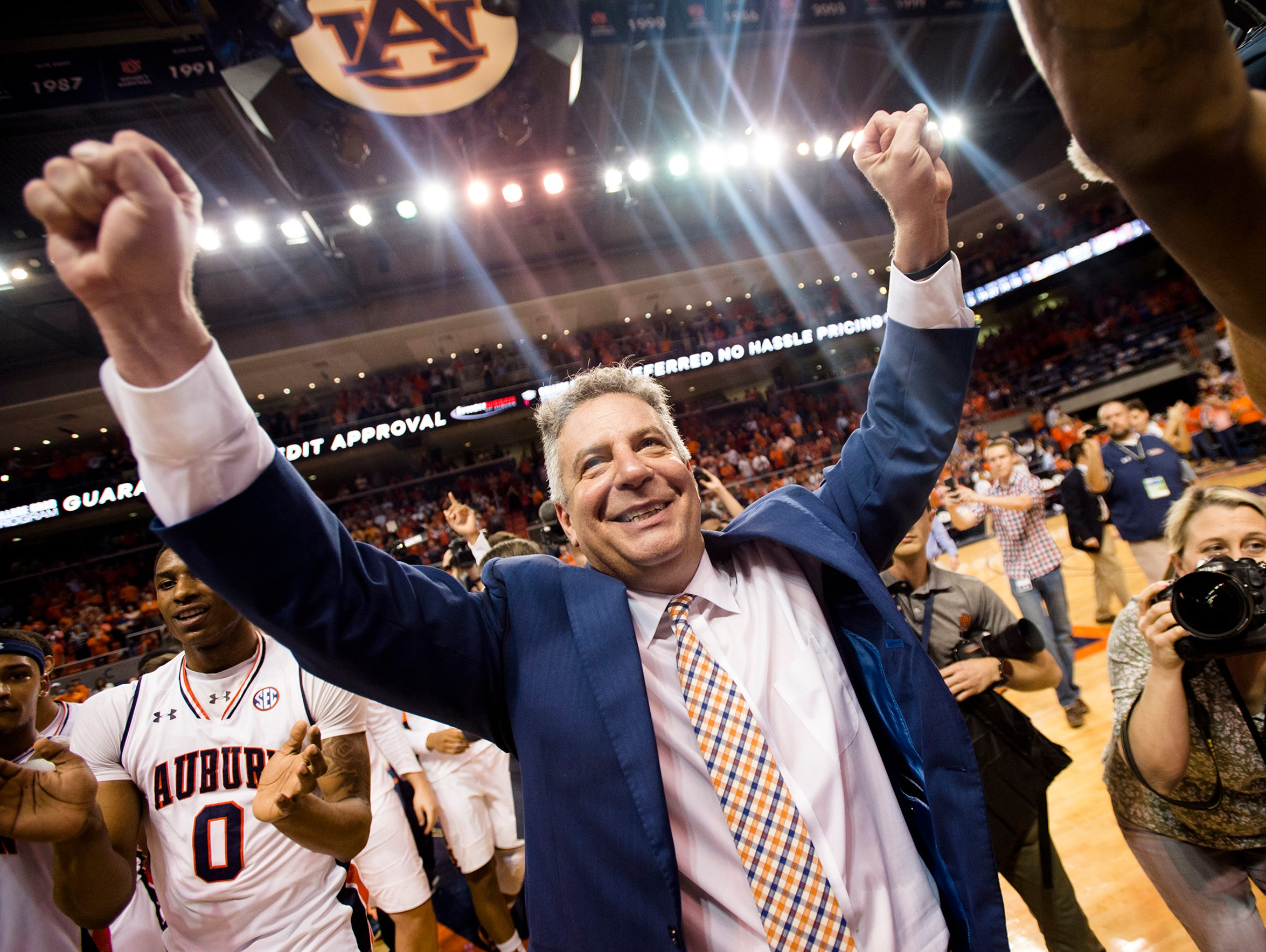 Auburn head coach Bruce Pearl has the Tigers in the NCAA Tournament for the first time in 15 years. Pearl led UW-Milwaukee to three postseason berths, including two NCAA Tournament appearances, from 2003-05.