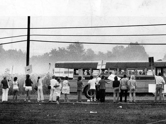 Title: Demonstration busing Louisville 1975