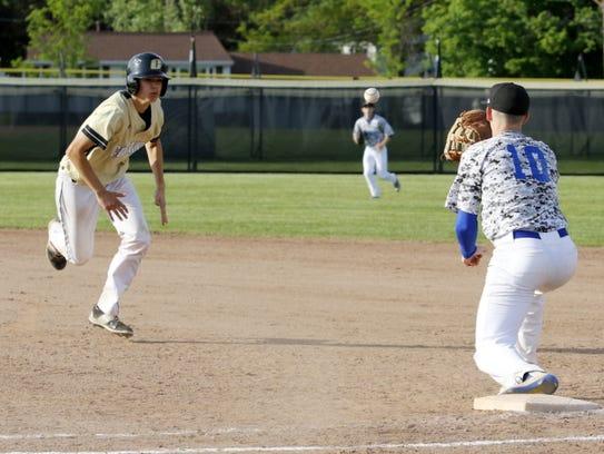 Horseheads first baseman Frank Wayman gets set to catch