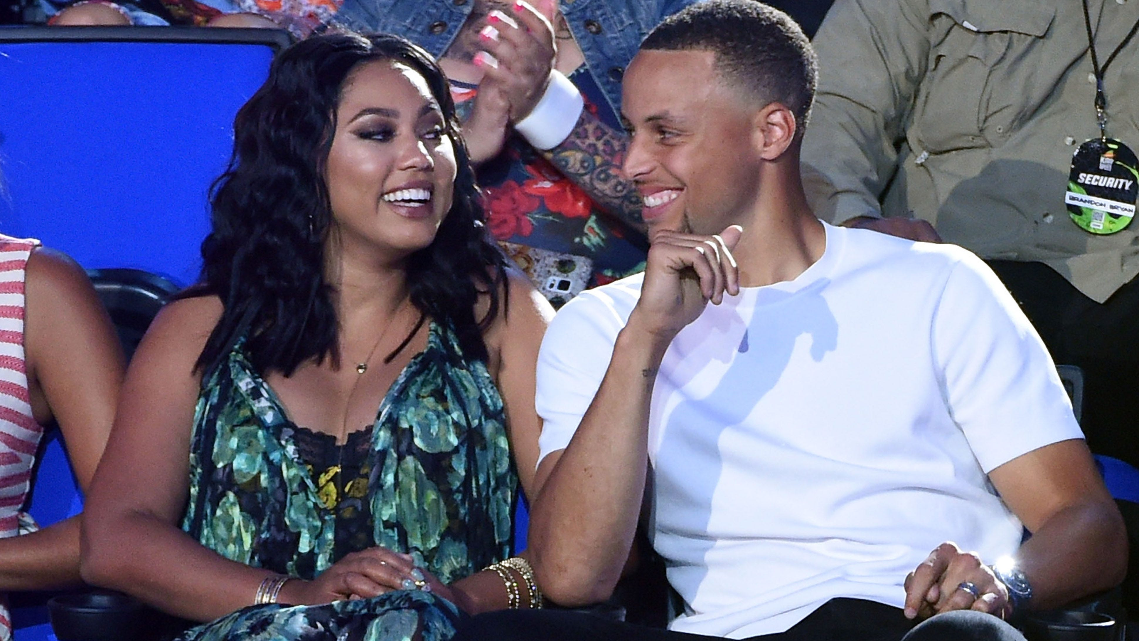steph curry cooked dinner for ayesha on ig live