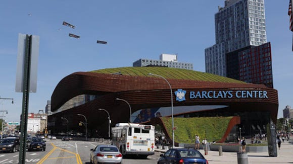 Philadelphia company tries to recruit LeBron to 76ers with plane banners at NBA draft