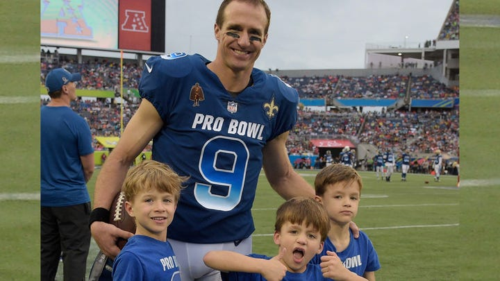 Drew Brees' sons celebrated trick shots with Dude Perfect