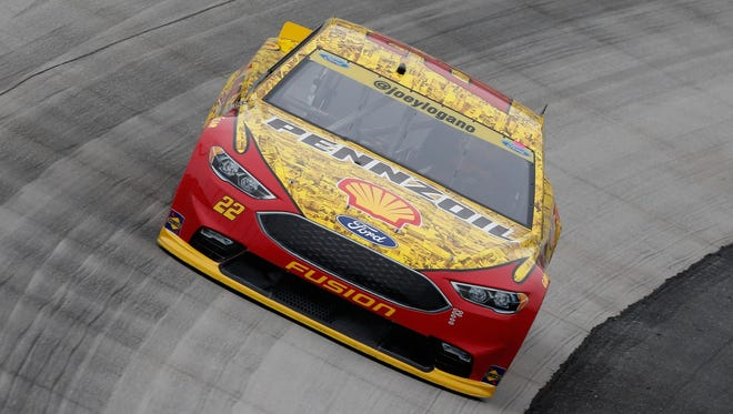 Defending champ Joey Logano is one of the favorites at Sunday's Sprint Cup race at Kansas Speedway.