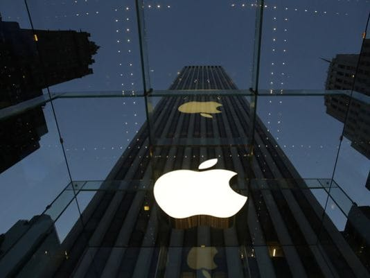 1408479431000-AP-APPLE-STOCK-SPLIT-64845360