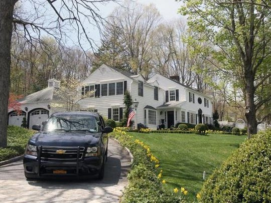 The home on Bittersweet Lane in New Castle that Sandra Lee has shared with her partner, Gov. Andrew Cuomo, is reportedly going on the market for $2.3 million.