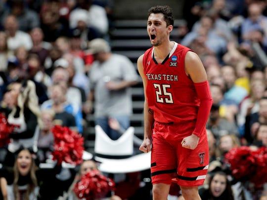NCAA_Texas_Tech_Michigan_Basketball_40428.jpg