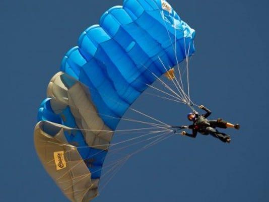 Skydive Arizona: Jumpers in last 3 fatalities used less