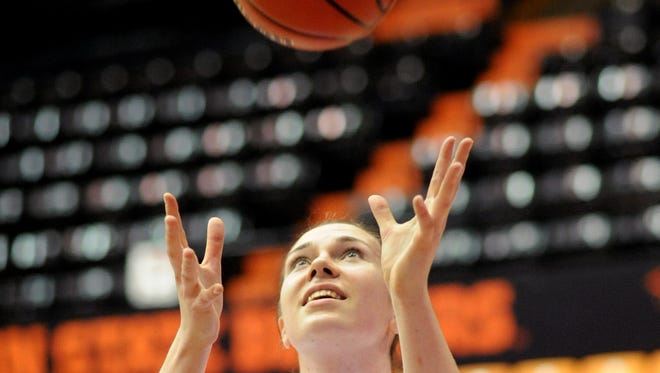 Oregon State center Ruth Hamblin in second in Pac-12 history in blocked shots.
