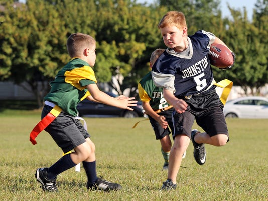 636404663763810855-des.urb0912-flag-football11.JPG