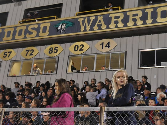 Crowds fill the stands at Ruidoso's Homecoming game
