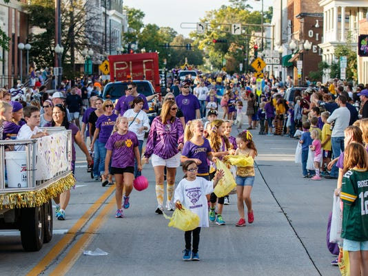 Oconomowoc-homecoming-file-photo