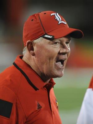 Coach Bobby Petrino will lead his 9-3 Cardinals into a showdown with the 9-3 Bulldogs.