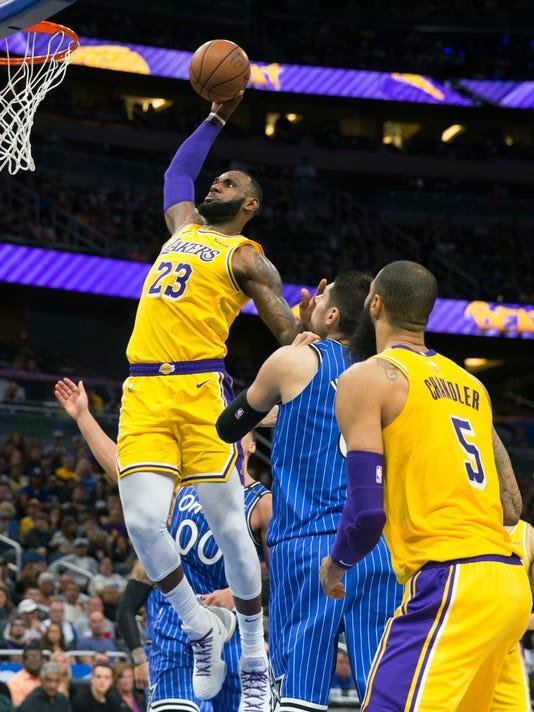 Lakers_Magic_Basketball_54892.jpg