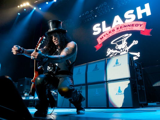 slash_at_the_forum_7.30_credit_scott_uchida_1