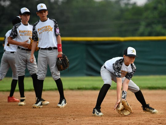 Fairview 12U Baseball All Stars Bryce Embry runs drills