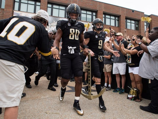 Vandy-Georgia-FB-12