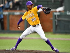 LSU falls to Florida, 16-9, for its fourth straight loss