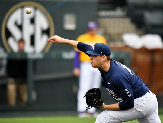 Vanderbilt pitcher Mason Hickman (44) throws against LSU during the sixth inning Sunday.