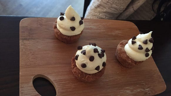 Cannoli Cups...there were six, but we couldn't take