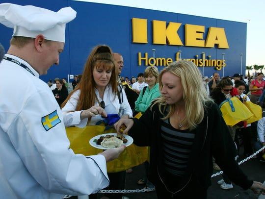 Chris Schreiber, an Ikea chef, serves up Swedish meatballs