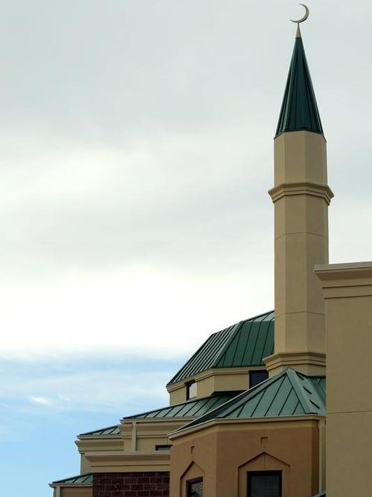 -FTC0813-ll islamic center cover DLM 02.JPG_20130812.jpg