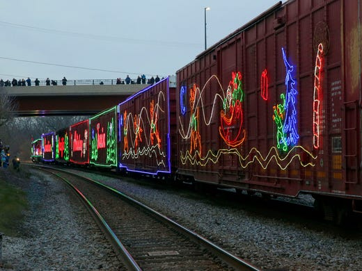 christmas train wauwatosa 2018