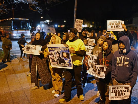 635869909013501358-Rally-and-March-for-Jerame-Reid.jpg