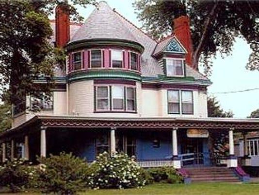 ELM 0626 CHRISTMAS HOUSE