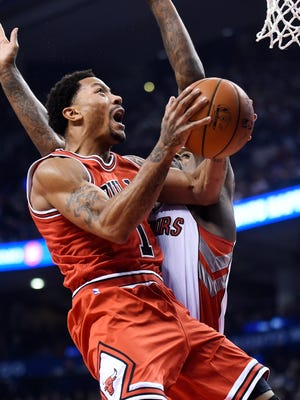 Derrick Rose scored 20 points before leaving the game.