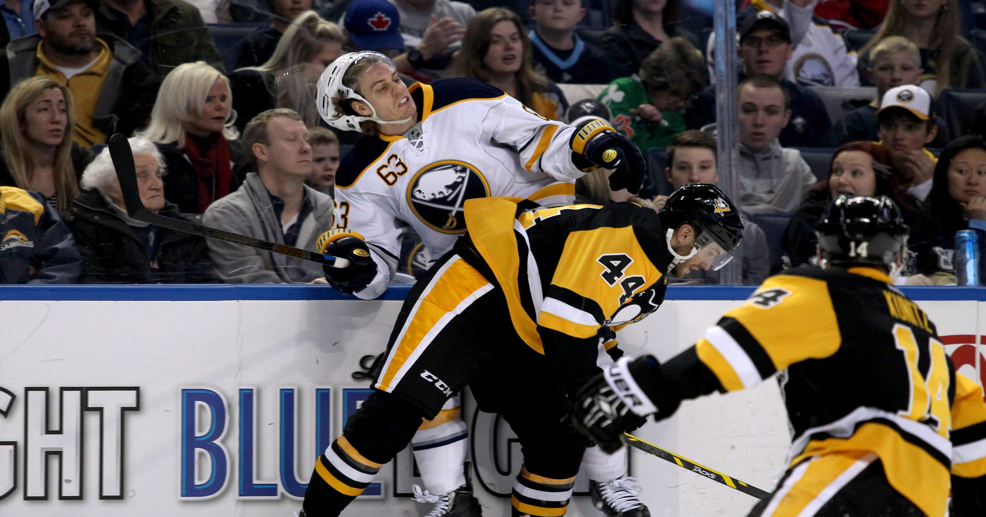 Penguins clinch playoff berth with 2-0 win over Sabres 0ec9308bd