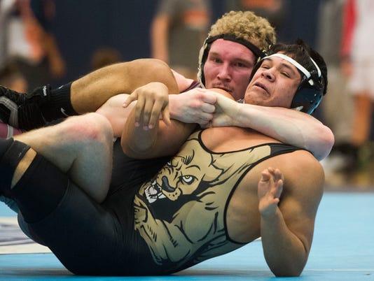 wrestlingregional0211-1818.jpg