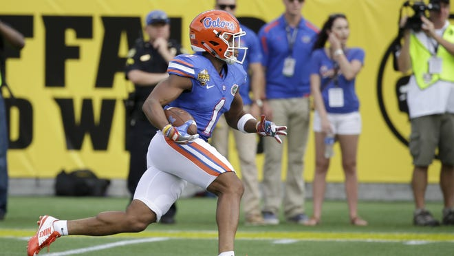 Florida's Vernon Hargreaves III returns a kickoff against Michigan during the first half of the Citrus Bowl on Jan. 1, 2016, in Orlando.