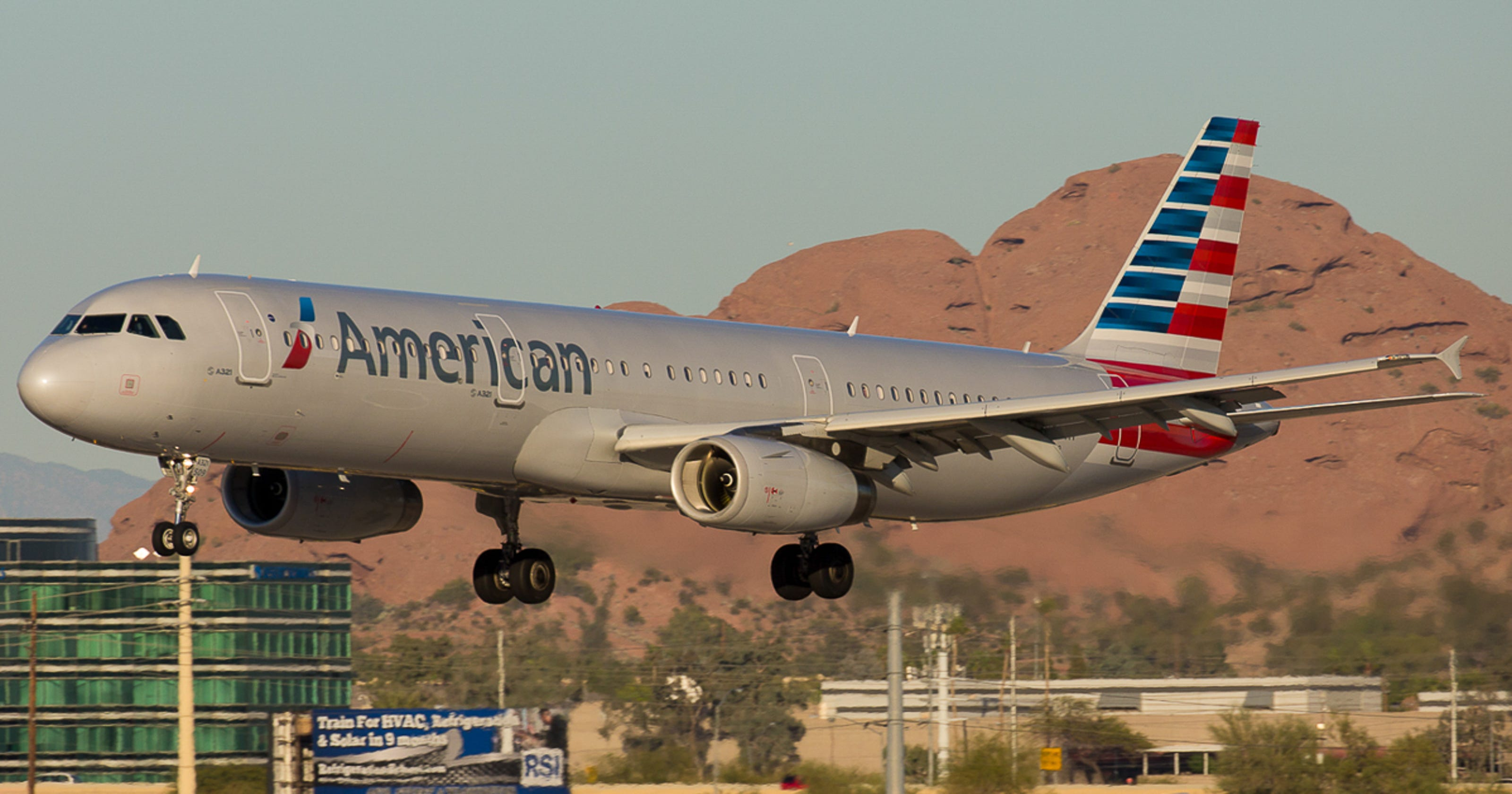 American Airlines Is Shrinking At Its Phoenix Hub