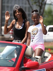 Silver Spring Queens Tiffany Johnson and Nevaeh Woods