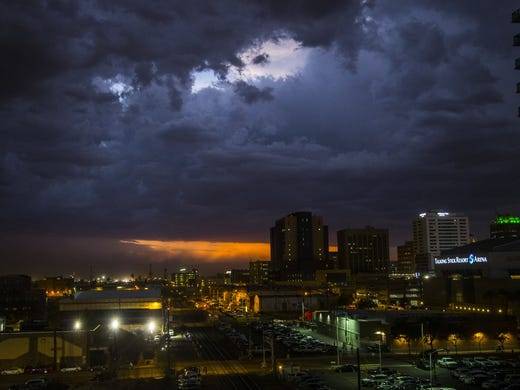 After Rains Fog Rolls Into Madison >> Arizona S Monsoon Season Everything You Need To Know