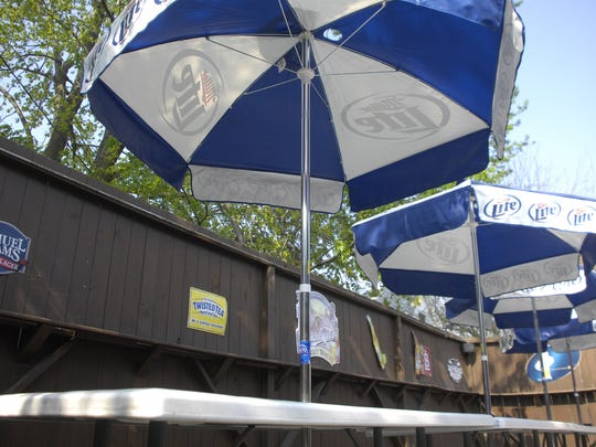 West End Lounge is a laid-back spot to sip on a pint. It's known to be frequented by students, and the outdoor space makes it especially popular.
