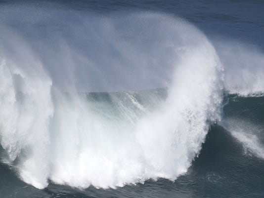 AP PORTUGAL BIG WAVE SURF S PRT