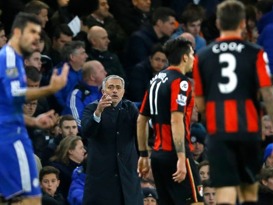 Chelsea's manager Jose Mourinho shouts during the English Premier League soccer match between Chelsea and AFC Bournemouth at Stamford Bridge stadium in London, Saturday, Dec. 5, 2015. (AP Photo/Kirsty Wigglesworth)