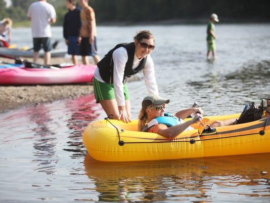 -SAL0812-Raft Race 14604.jpg_20120811.jpg