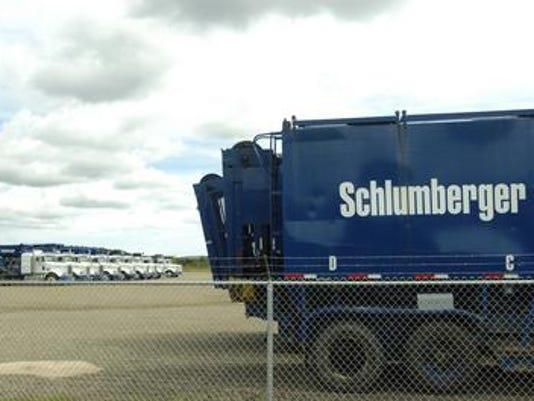 635761896727637429-Schlumberger