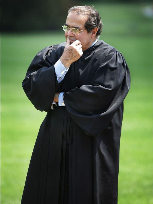 635917425029699492-Scalia-standing.jpg